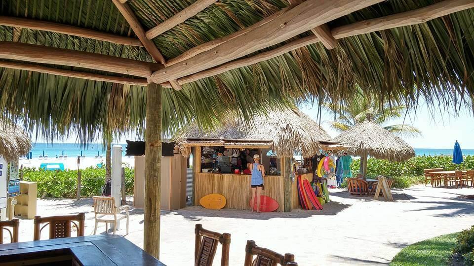 Premier Tiki Hut and Tiki Bar Builder in Lake Panasoffkee Florida