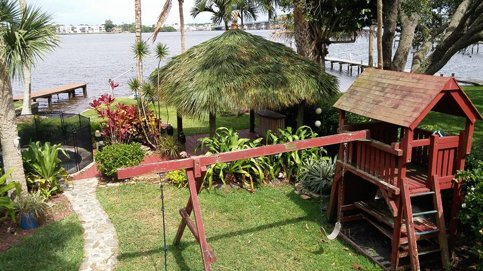Tiki Hut Aug-45